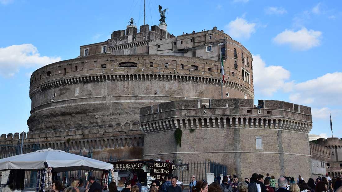 Roma Gezilecek Yerler : Castel Sant Angelo