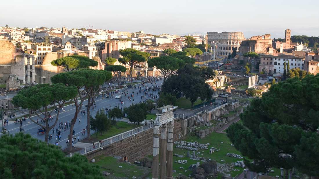 Roma Gezilecek Yerler : Roma Forumu