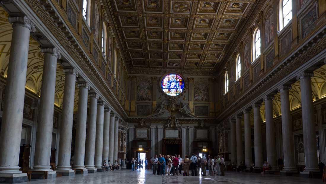 Roma Gezilecek Yerler : Santa Maria Maggiore Bazilikası