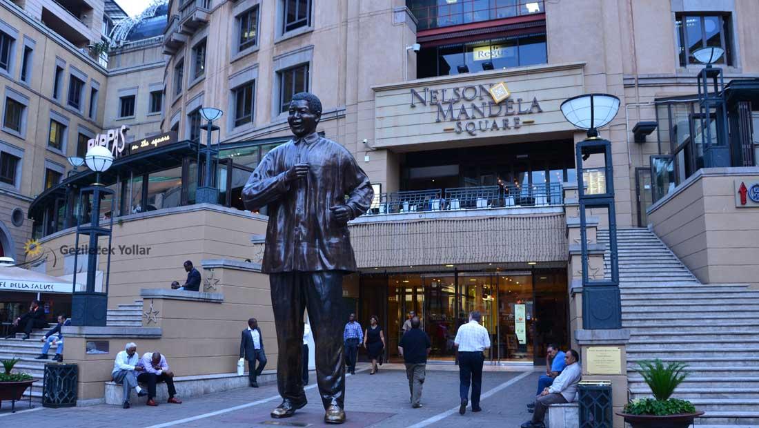 Nelson Mandela Meydanı